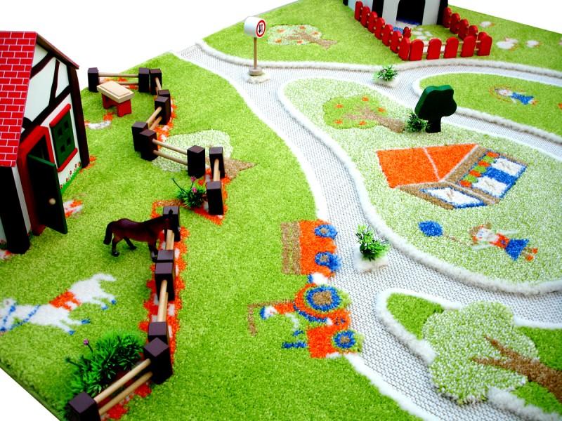 Wunderschner 3D Spielteppich und Kinderteppich Bauernhof und Landschaft in 3 Gren erhltlich