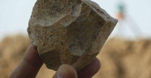 © Mohamed Sahnouni / AFP | À Sétif, des archéologues ont découvert des outils en pierre taillée remontant à 2,4 millions d'années.