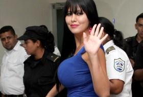 Adriana Corella lo que dure esa condena, yo te espero (Fotos y Videos)