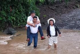 Así son los políticos de Nicaragua. Les gusta andar paca paca