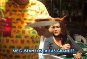 """Canción 10 veces mejor: JR y Karly Fornos cambian """"Mayores"""" por """"Panzones"""""""