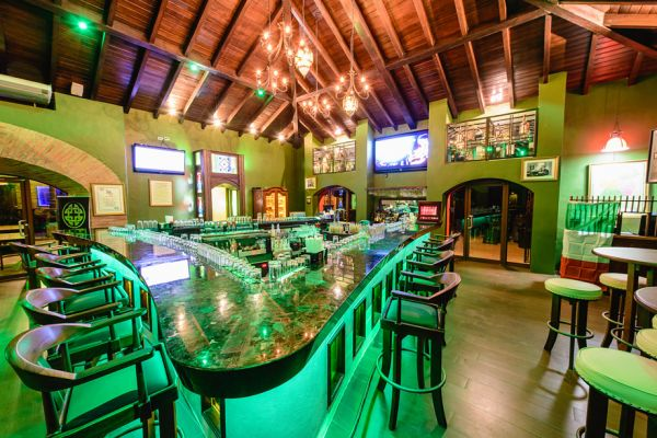 Review ir o no ir a temple bar el nuevo irish pub en for Bar la oficina