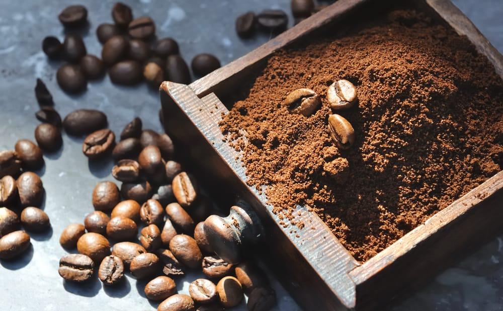 ottenere plastica dal caffe
