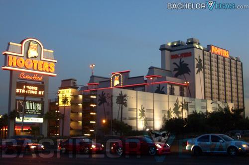 Hooters Hotel Las Vegas  Bachelor Vegas