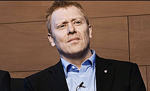 Jon Gnarr gay