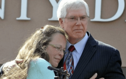 Kim Davis, Kentucky Anti–Gay Marriage Clerk Loses Re-Election Bid