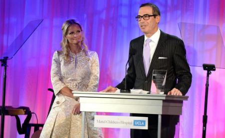 Donald Trump Names Former Goldman Sachs Banker Steve Mnuchin As Treasury Secretary