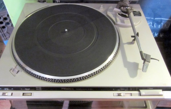 Used Turntables - Tape Decks - CD Players