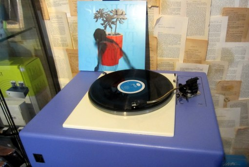 spinning-local-natives-sunlit-youth