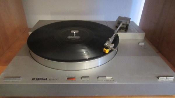 yamaha-p-450-turntable-1
