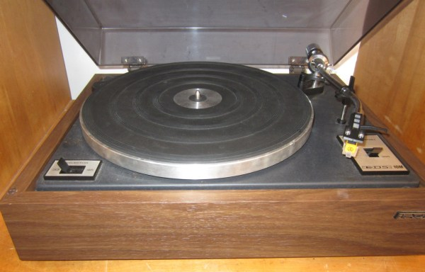 EDS 10M Turntable