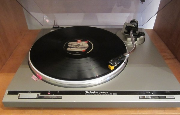 -SOLD- Technics SL-Q202 Turntable