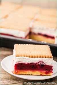 Butterkeks-Kuchen mit Beeren - Backen macht glcklich