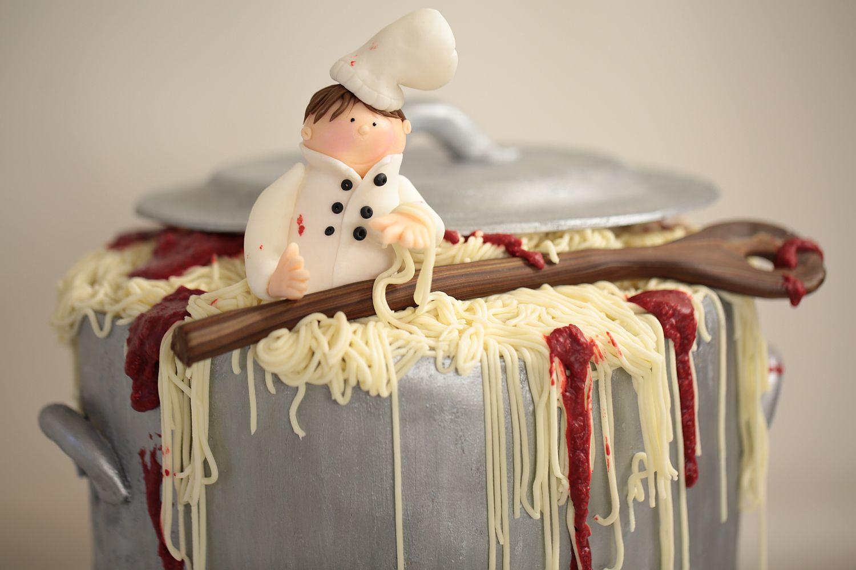 Geburtstagstorte fr einen Kochein Topf voller Spaghetti Bolognese   Backlinse