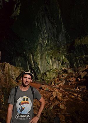 Keuvin dans les grottes de Mulu à Bornéo
