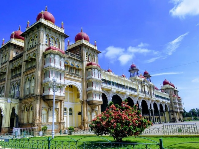 things to do in mysore: mysore palace
