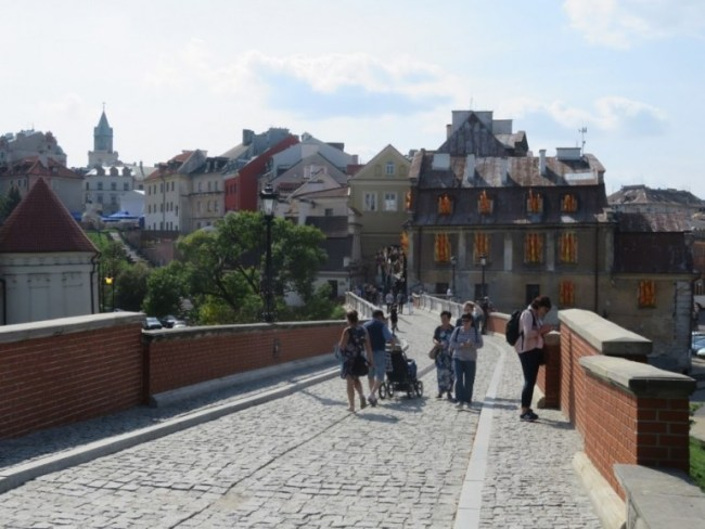 way from the old town in Lublin to the Lublin castle