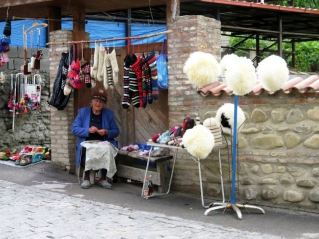 the knitting ladies in sighnaghi
