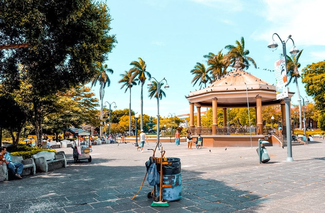 Studing in Heredia, Costa Rica | Travel Central America | Learn Spanish | Hike | Hiking | Intercultura | Rainforest | Backpacking Costa Rica | San Jose | What to do | Where to sleep | Heredia | studying abroad | Backpackers Wanderlust |