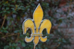 Fleur de lis gold stained glass garden ornament