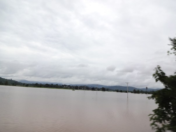 View of the flooding in the north from the train (Myanmar, 2016).