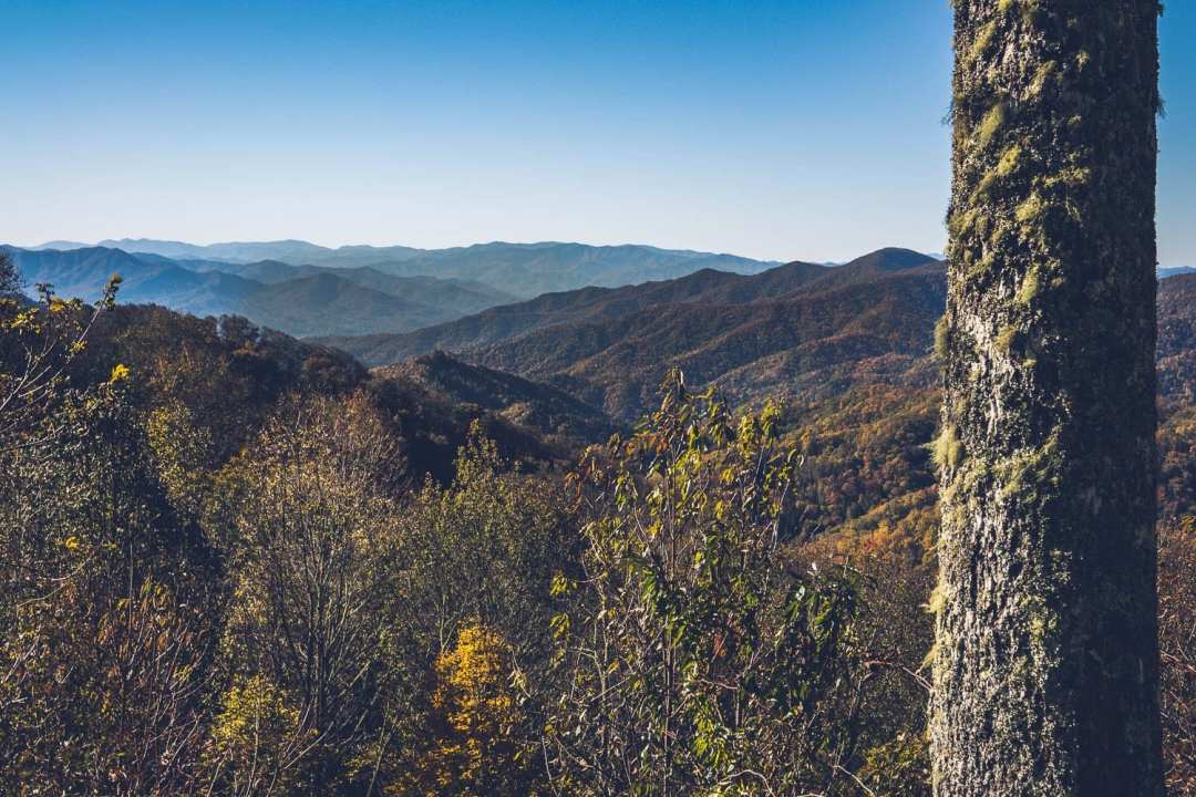 usa travel tips: a landscape view of Great Smoky Mountains National Park