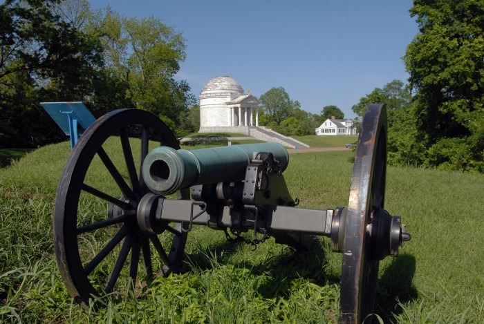 Illinois Monument Cannon - 30+ North American Bucket List Destinations