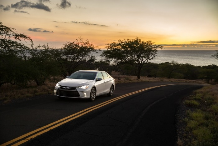 2015 Toyota Camry XLE 003 - How to Choose the Best Car for Your Cross-Country Road Trip