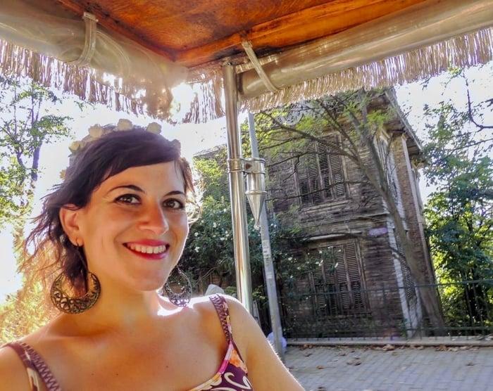 Gloria Apara of Nomadic Chica