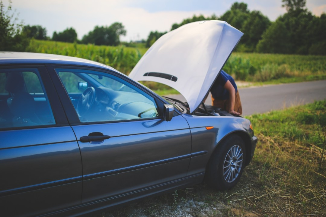 road man broken car 6078 - Avoid Getting Ripped-Off by Mechanics:  9 Tips for Roadtrippers