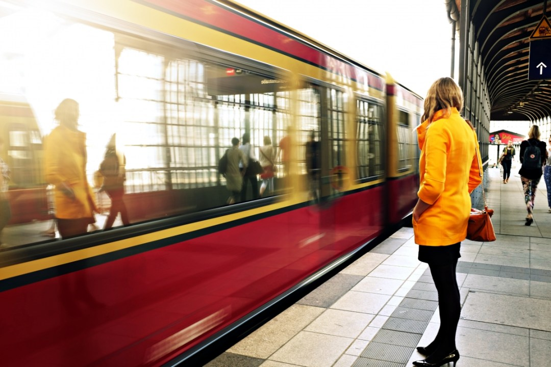woman train - 6 Practical Tips for a Journey by Train