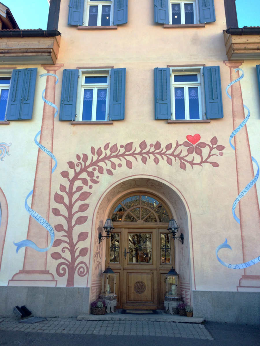 colored buildings 3 - Discover Switzerland's Engadine Valley: The Hidden Side
