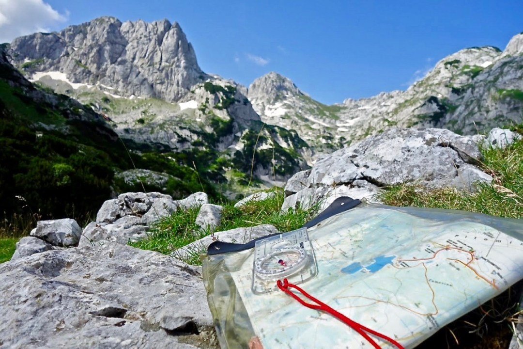 Map and mountains - Roadtripping, Hiking & Camping Montenegro Best Places