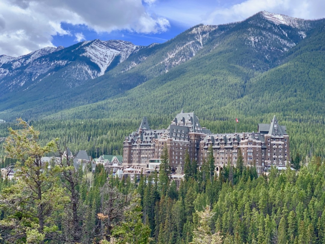 Banff Springs Hotel - The Best Sites & Activities for a Town of Banff Adventure