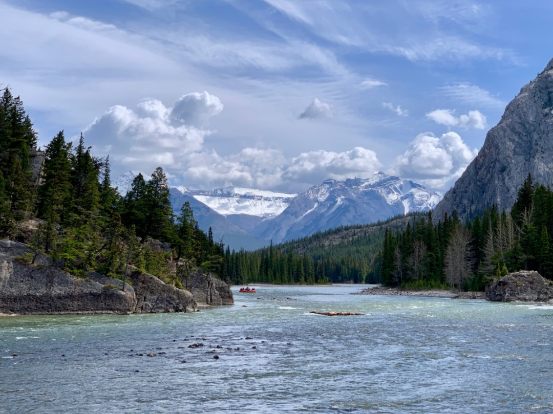 Bow River Downstream - The Best Sites & Activities for a Town of Banff Adventure