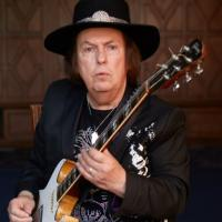 Meet: We catch up with Dave Hill of Slade with the release of Slade's singles collection,  Cum On Feel The Hitz