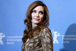 Angelina-Jolie-Oothikes