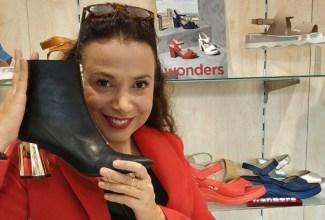 Η Νόνη Δούνια για αγορές στη MAT Fashion - Backstage24.gr e080ed32d55