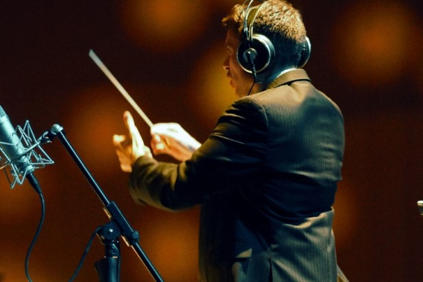 Rob Gardner conducts the live recording of Cinematic Pop. (PRNewsFoto/Cinematic Pop)