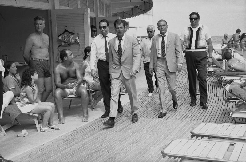 Frank Sinatra on the Boardwalk of the Fontainebleau. Terry O'Neill. Miami, 1968. (PRNewsFoto/Fontainebleau Miami Beach)