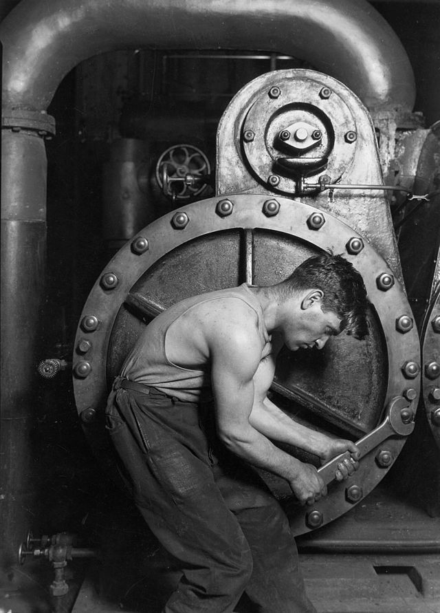 Lewis Hine_Power house mechanic working on steam pump