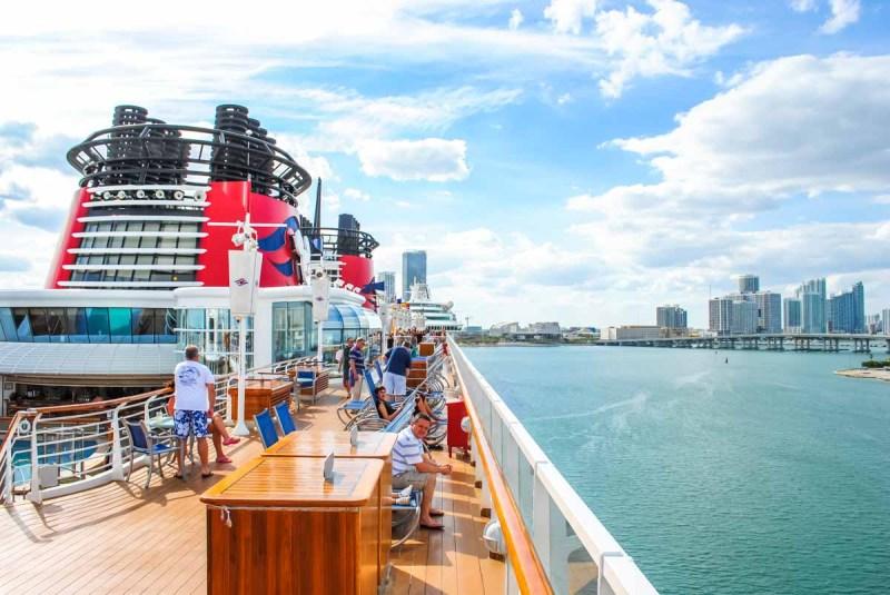 Disney Wonder leaving Miami Beach