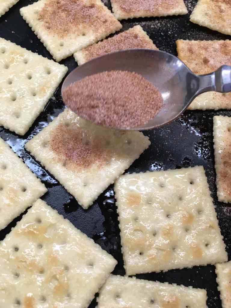 Remember the days when your mom would make cinnamon toast bread? If you've got a few minutes, you can make a sheet of cinnamon sugar crackers that will last for days, and you won't be able to say no to them.