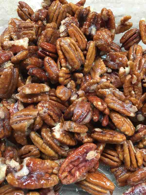 Easy and Quick Cinnamon Candied Pecans are a delicious treat for the Christmas Holiday. I love to set them on the counter for snacks during a party, or as gifts for friends, teachers, and neighbors.