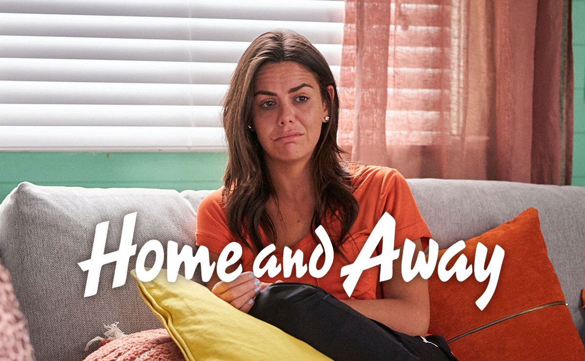 Home and Away Spoilers – Mac's left reeling when Ari breaks up with her