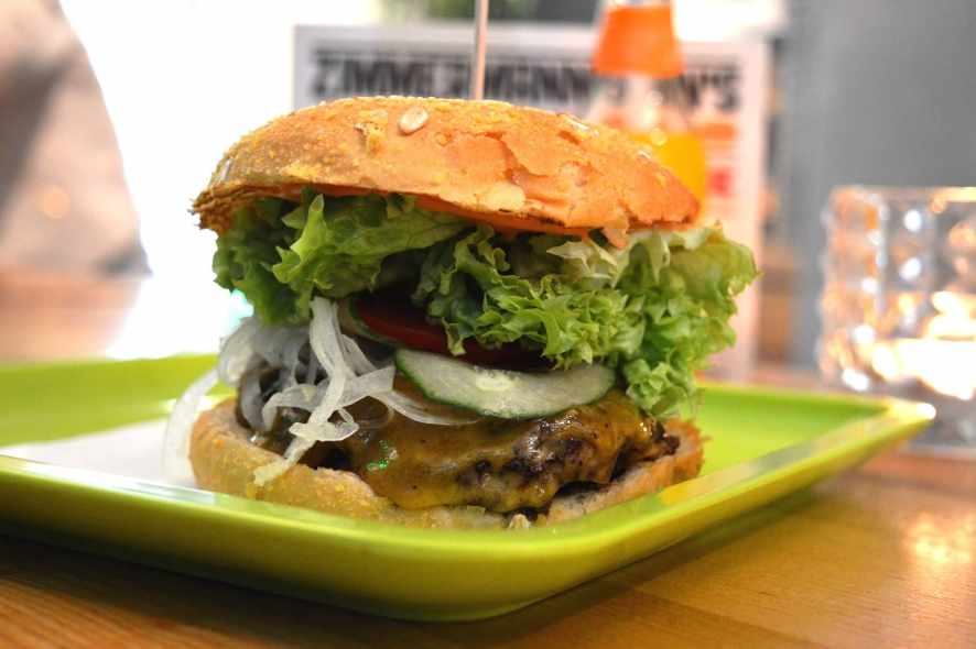 Zimmermanns Burger Cheeseburger Review