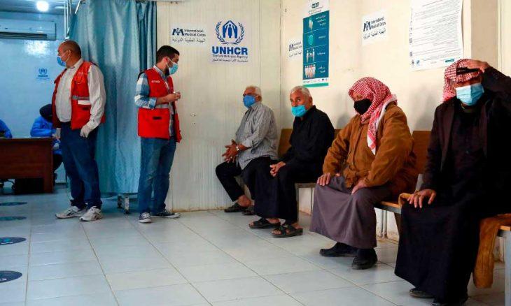 Photo of «كوكتيل» مستجدات الفيروس في الأردن: أزمة «مال ومعرفة ولقاح»… قطاع خاص «منفعل» وعام «محتار»