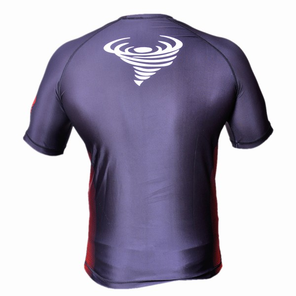 TWISTER HALF SLV 2 RASH GUARD..