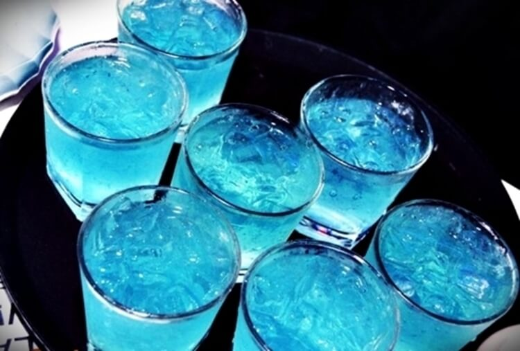 Colorful alcoholic drinks (32 Photos) 7