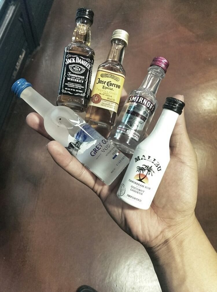 Colorful alcoholic drinks (32 Photos) 10